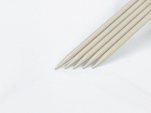 8 mm (US 11) A set of 5 double-point knitting needles. Brand ICE, acs-1073